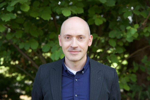 Craig Phillips is an assistant professor of voice at the University of Oregon and a member of the New York Polyphony.