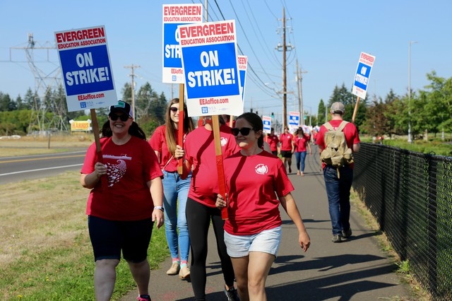 Teachers with theEvergreen School District picketing on Tuesday, Aug. 28. 2018.