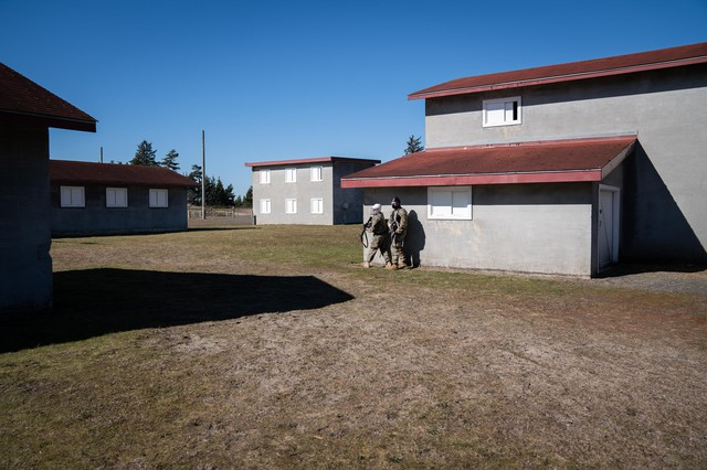 Soldiers in the Oregon National Guard's 741st Brigade Engineer Battalion clears a building on March 2, 2019 at Camp Rilea, Oregon.