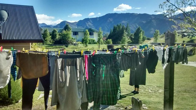 Resultado de imagen para Oregonians hanging laundry instead of using dryer, helping climate