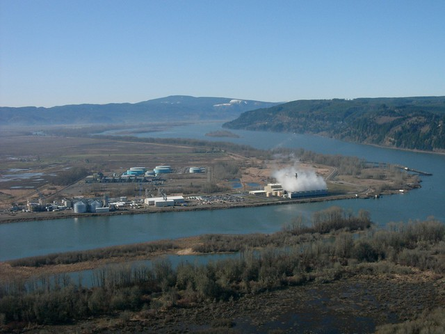 PGE's natural gas fired electricity plant on the Columbia River near Clatskanie, Oregon.