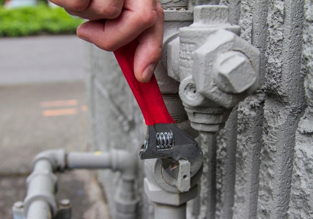 The Federal Emergency Management Office recommends that every household have the appropriate tools to shut off their gas and water in the event of a natural disaster. The shutoff is typically the first valve on the pipe that runs into the gas meter from the buried line. Some newer meters have the shutoff located on the pipe that goes from the gas meter to the home.