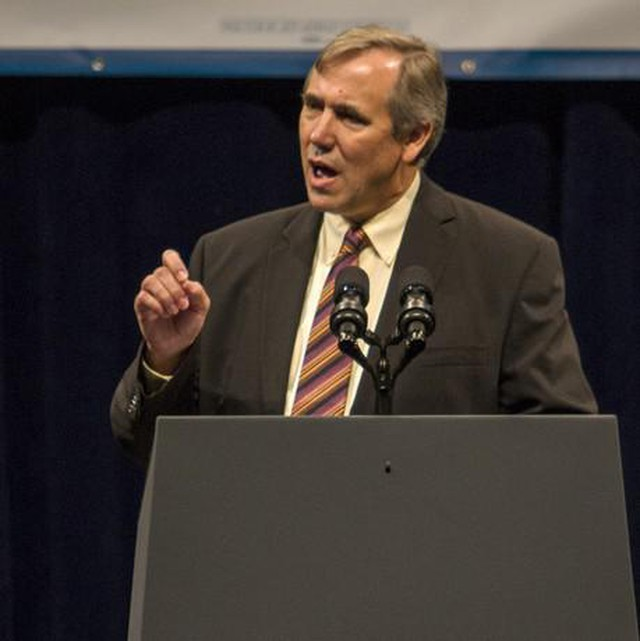 Jeff Merkley at a campaign rally at the Oregon Convention Center in 2014