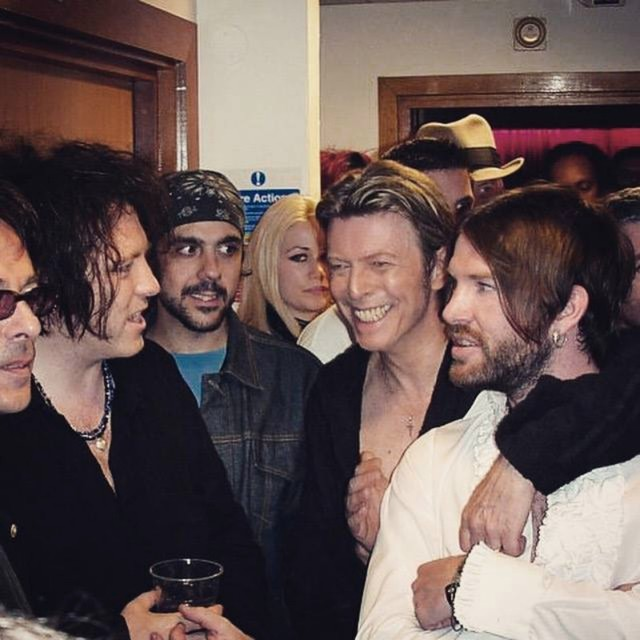 The Dandy Warhols toured withDavid Bowie in 2003.