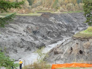 Banks of White Salmon River in what was Northwestern Reservoir one hour after breach of Condit dam