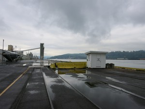 The Port of Longview, Washington, could become the site of the first oil refinery on the West Coast in 25 years. The project would handle 45,000 barrels per day, two-thirds of which would be petroleum-based products and the rest of which would be biofuels.
