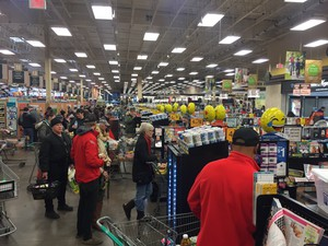 Portland shoppers rushed to grocery stores in droves in preparation for a winter storm Saturday, Jan. 7, 2017.