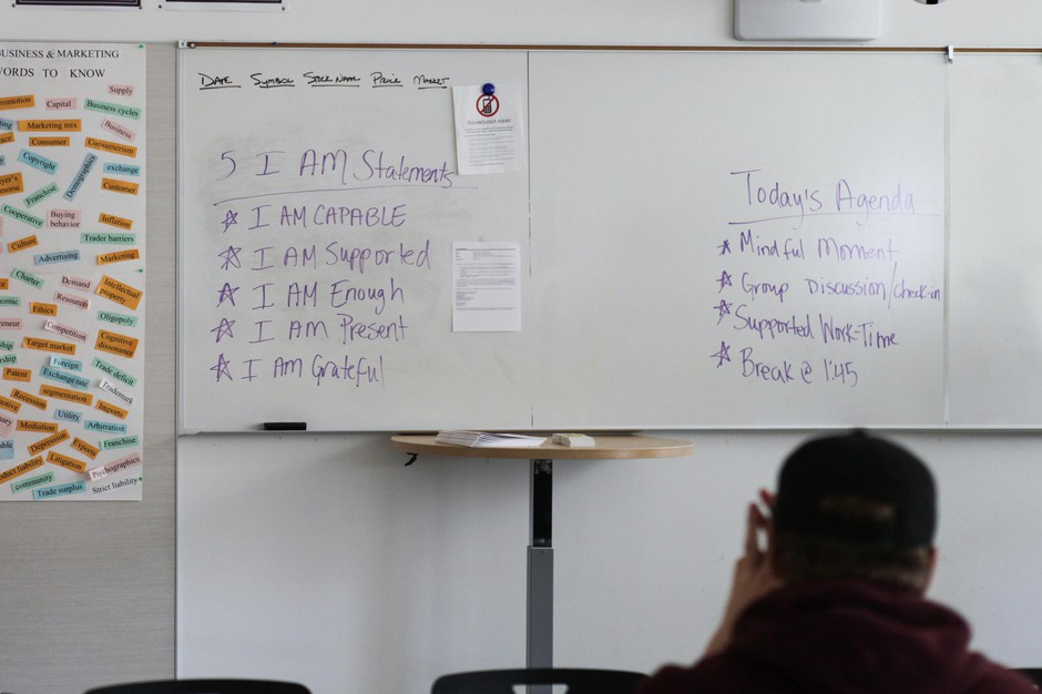 """Franklin High School special education teacher Mercedes Muñoz starts her class by having her students repeat five """"I Am"""" statements."""